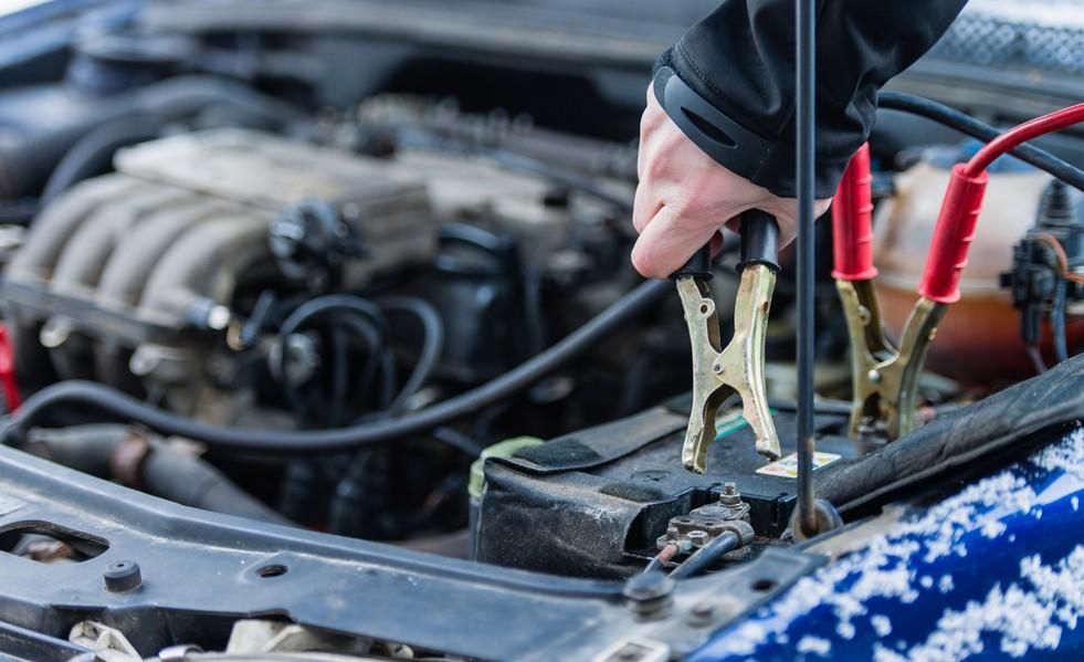Как прикуривать автомобиль от другого автомобиля