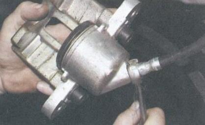 Замена переднего тормозного цилиндра