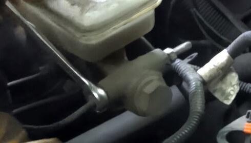 Замена тормозного цилиндра 2114