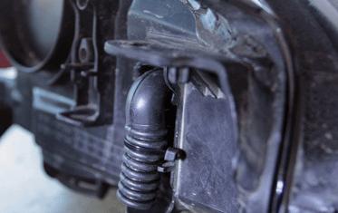 Устраняем запотевание передней оптики на авто Форд Фокус 3