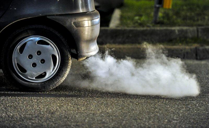 Причины появления черного дыма из трубы глушителя дизеля