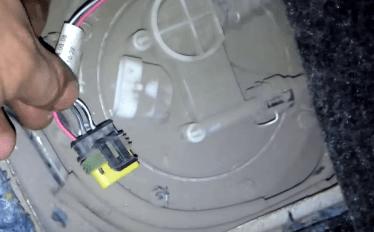 Почему бензиновый датчик может давать неверные показания