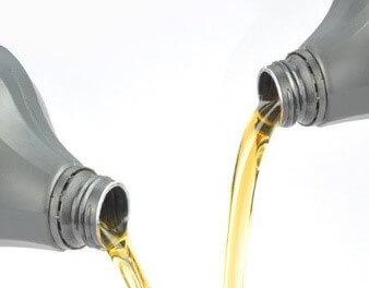 Преимущества и недостатки моторного масла в бочках