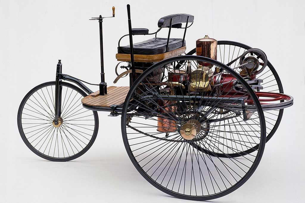Какими были самые первые автомобили в мире
