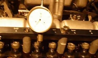 Установка регулировочных болтов на двигатель Chevrolet Niva