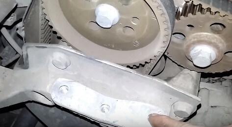 Замена цепи и ремня ГРМ на двигателях автомобилей Skoda Fabia своими руками