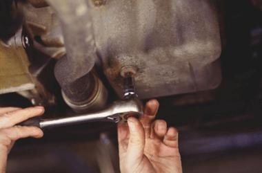 Опель Корса: замена масла в двигателе