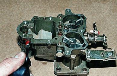 Замена игольчатого клапана в поплавковой камере