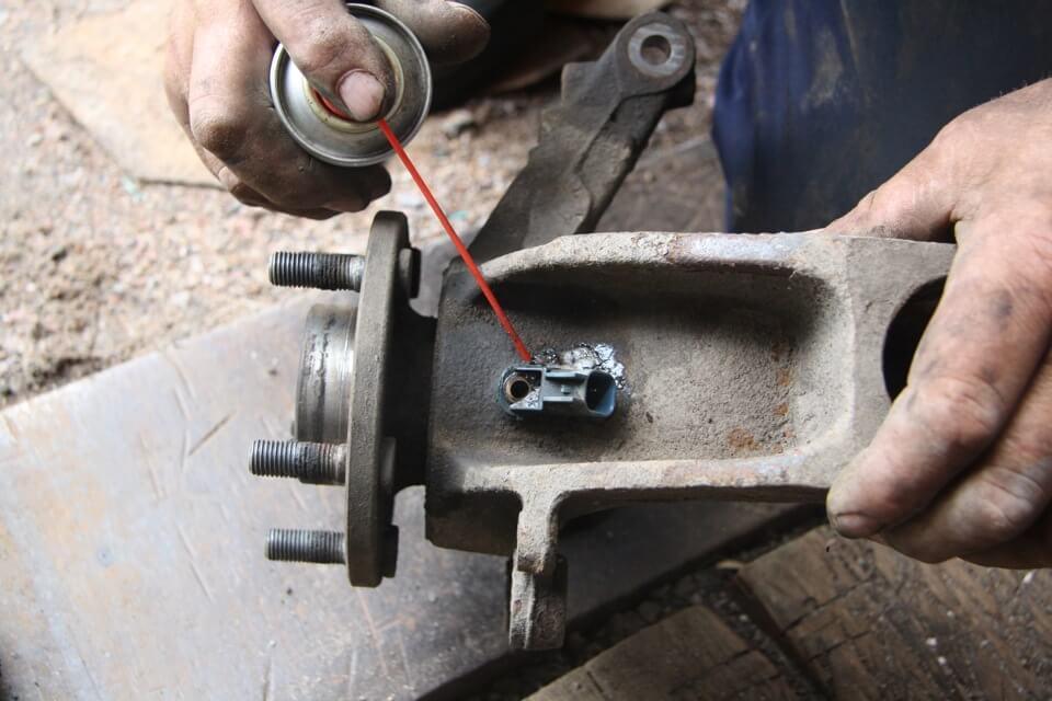 Замена ступицы колеса Ford Focus 2