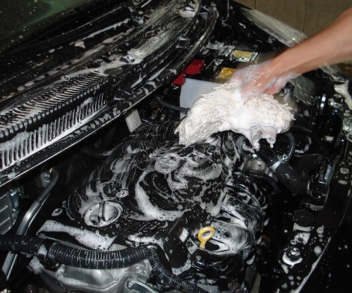 Как правильно помыть двигатель автомобиля?
