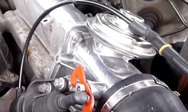 Чистка клапана EGR на дизельном двигателе Мерседес