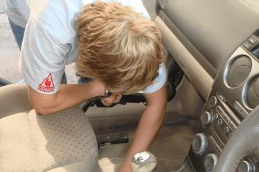 Откуда берутся неприятные запахи в салоне авто