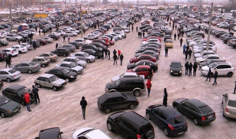 Какую машину купить за 300 тысяч рублей?