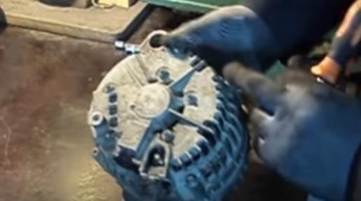 Ремонт обгонной муфты генератора своими руками