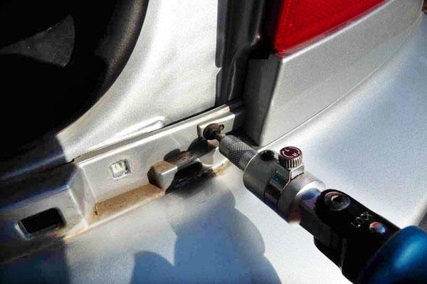установка задних датчиков парковочной системы
