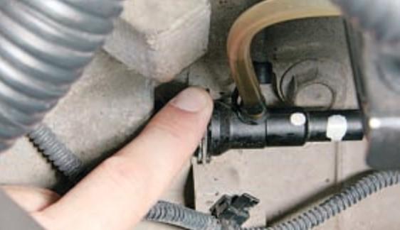 Как прокачать сцепление на автомобиле Nissan Qashqai