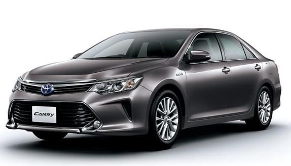 Расход топлива на автомобиле Toyota Camry – официальные данные и реальная статистика