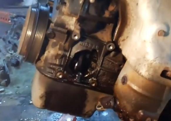 Стартер щелкает, но не крутит: неисправный двигатель