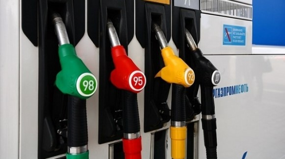 заправка автомобиля топливом с более высоким октановым числом